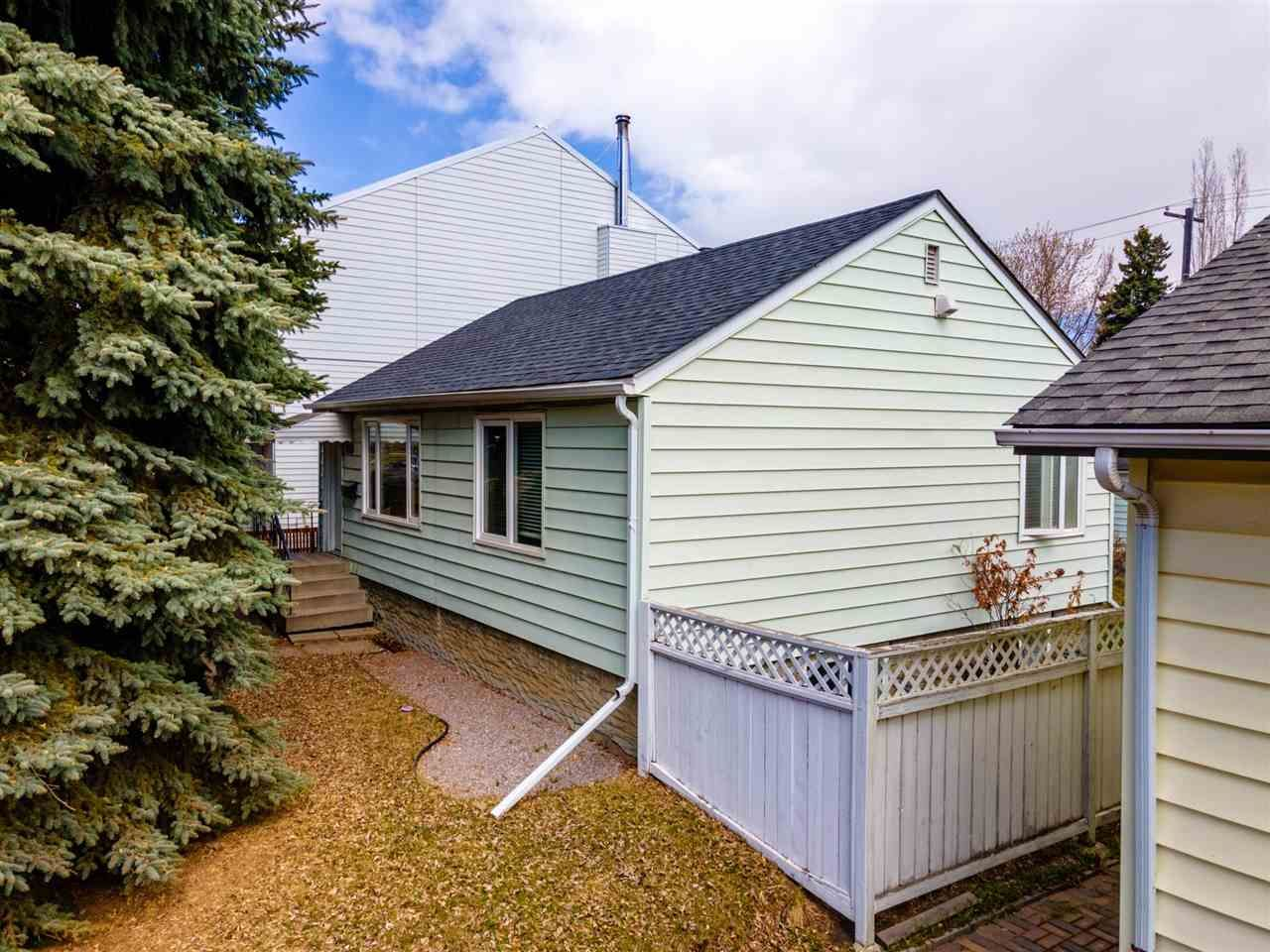 Main Photo: 9215 91 Street in Edmonton: Zone 18 House for sale : MLS®# E4241987