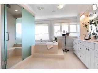 Photo 8: 459 GENOA Crescent in North Vancouver: Home for sale : MLS®# V855098