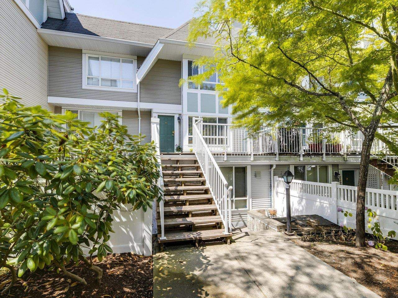 Main Photo: 132 6588 SOUTHOAKS Crescent in Burnaby: Highgate Townhouse for sale (Burnaby South)  : MLS®# R2600972