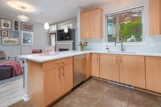 Photo 10: 5 330 Waterfront Cres in : Vi Rock Bay Row/Townhouse for sale (Victoria)  : MLS®# 878416