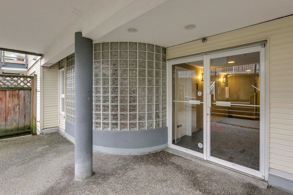 """Photo 2: Photos: 306 33 TEMPLETON Avenue in Vancouver: Hastings Condo for sale in """"North Templeton"""" (Vancouver East)  : MLS®# R2149760"""