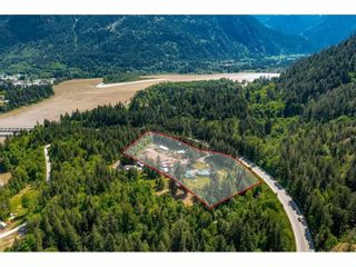 Photo 3: 21400 TRANS CANADA Highway in Hope: Hope Center House for sale : MLS®# R2579702