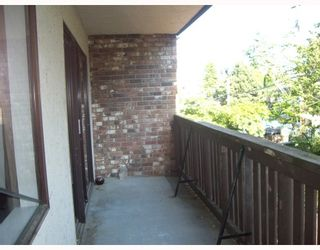 """Photo 6: 205 930 E 7TH Avenue in Vancouver: Mount Pleasant VE Condo for sale in """"Windsor Park"""" (Vancouver East)  : MLS®# V787227"""