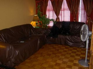 Photo 3: 45 Kinver: Residential for sale (Tyndall Park)  : MLS®# 2702723