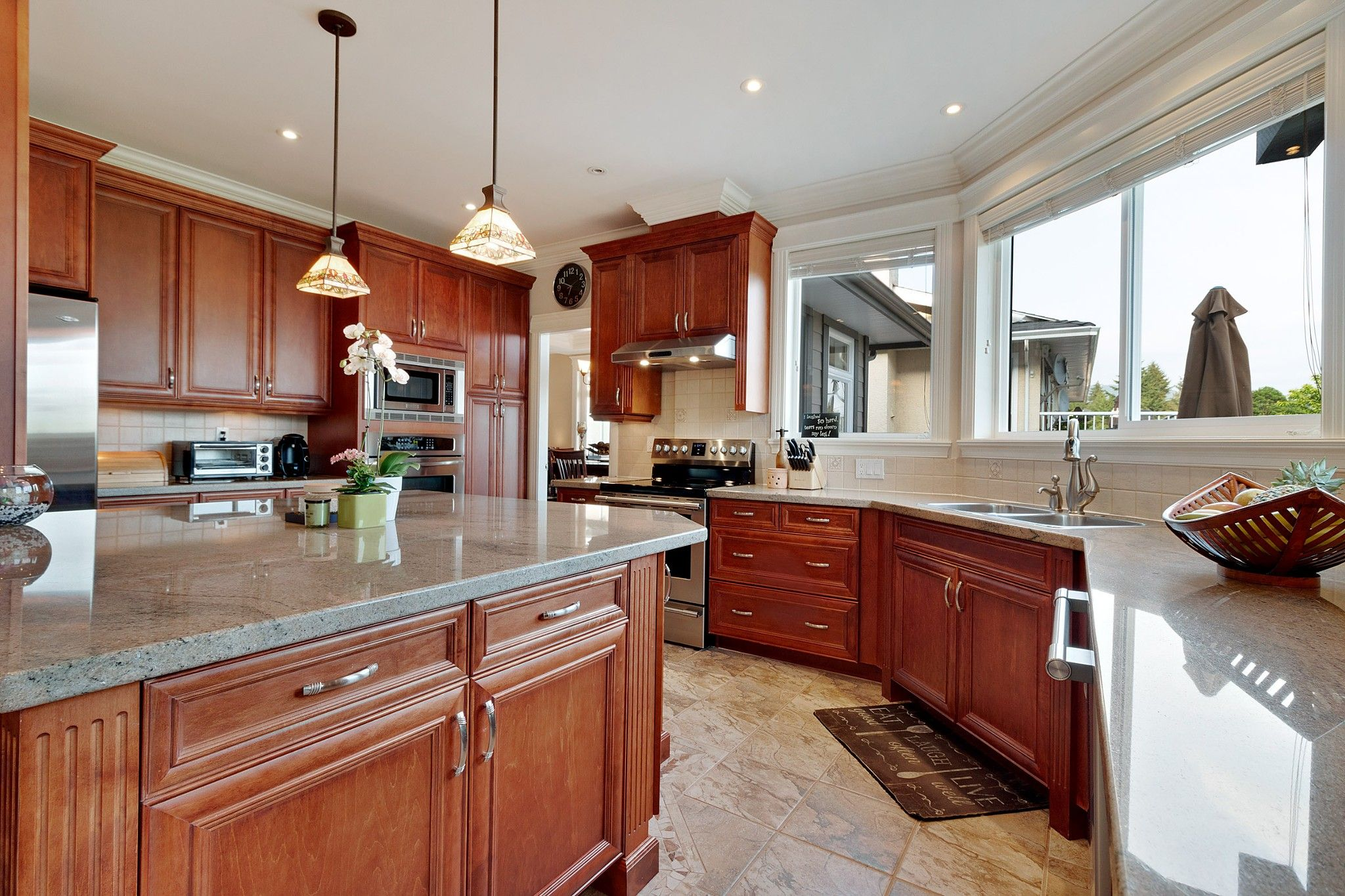 Photo 9: Photos: 1237 DYCK Road in North Vancouver: Lynn Valley House for sale : MLS®# R2374868