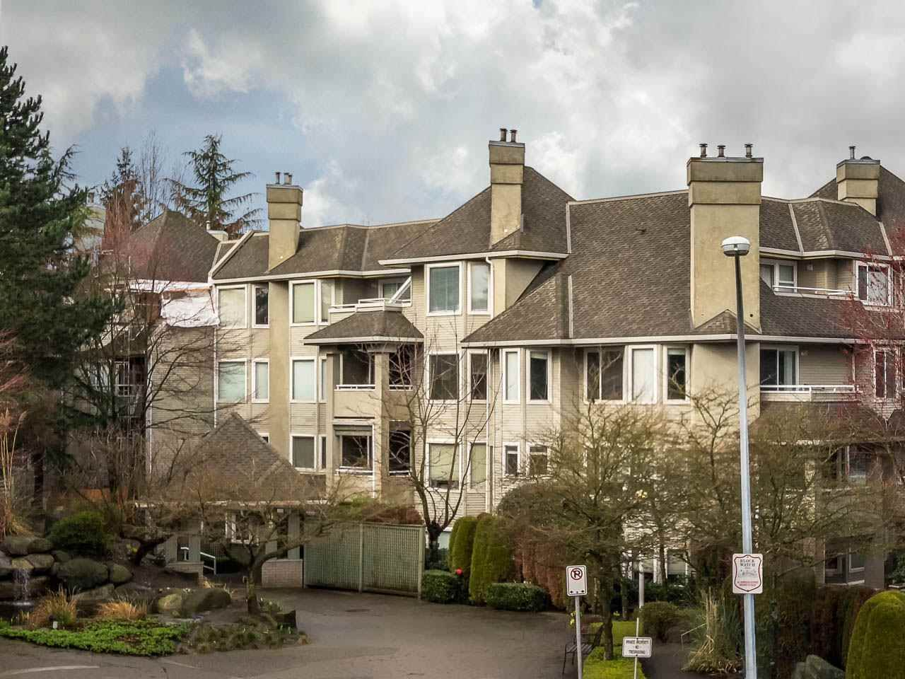 """Main Photo: 108 3733 NORFOLK Street in Burnaby: Central BN Condo for sale in """"Winchelsea"""" (Burnaby North)  : MLS®# R2400393"""