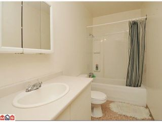 Photo 7: 7027 140TH Street in Surrey: East Newton Duplex for sale : MLS®# F1205361