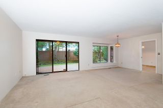 """Photo 4: 25 6600 LUCAS Road in Richmond: Woodwards Townhouse for sale in """"HUNTLY WYND"""" : MLS®# R2230201"""