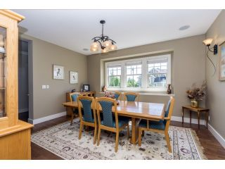 """Photo 8: 5915 164TH Street in Surrey: Cloverdale BC House for sale in """"WEST CLOVERDALE"""" (Cloverdale)  : MLS®# F1439520"""