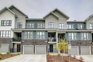 Main Photo: 56 Crestridge Common SW in Calgary: Crestmont Row/Townhouse for sale : MLS®# A1144998