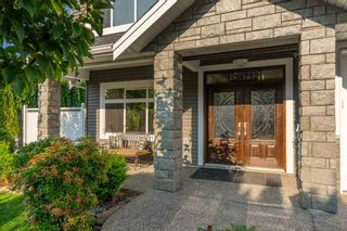 Photo 3: 1 34712 MARSHALL Road: House for sale in Abbotsford: MLS®# R2605473