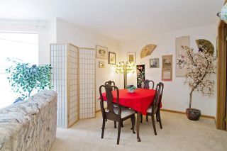 """Photo 16: 3103 33 CHESTERFIELD Place in North Vancouver: Lower Lonsdale Condo for sale in """"Harbourview Park"""" : MLS®# R2037524"""