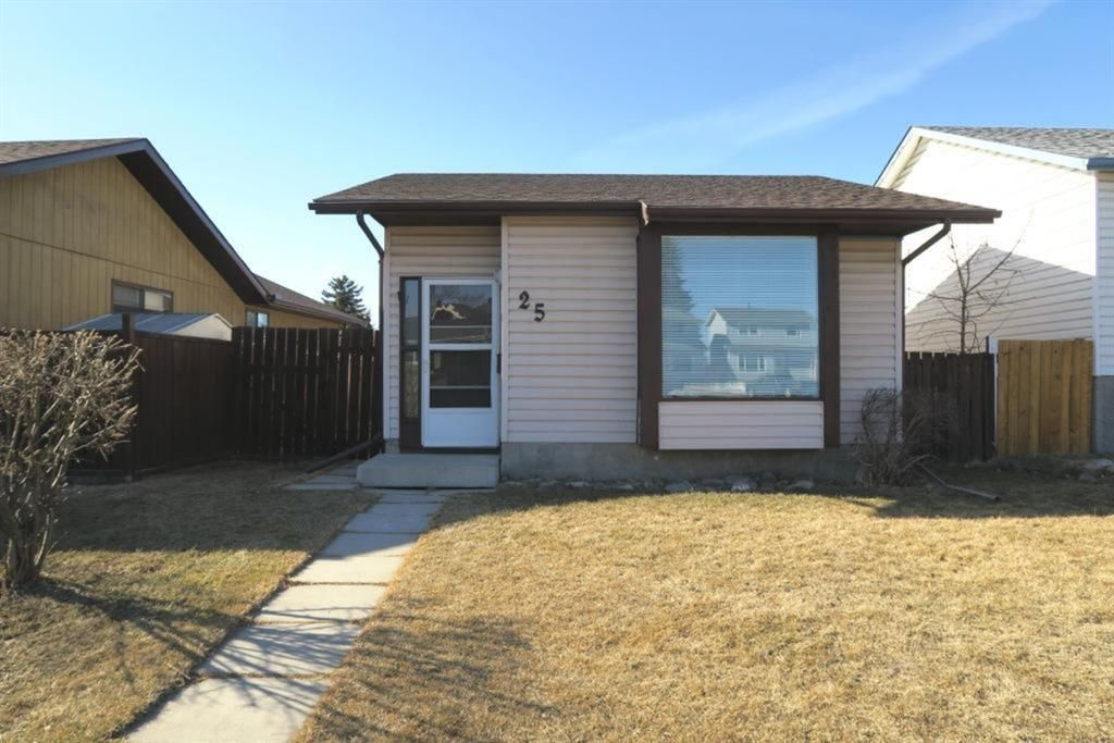 Main Photo: 25 Aberdare Way NE in Calgary: Abbeydale Detached for sale : MLS®# A1083925