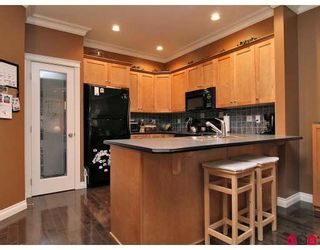 "Photo 2: 11 36260 MCKEE Road in Abbotsford: Abbotsford East Townhouse for sale in ""KINGS GATE"" : MLS®# F2914523"