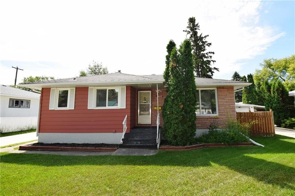 Main Photo: 1420 Somerville Avenue in Winnipeg: West Fort Garry Residential for sale (1Jw)  : MLS®# 202017423