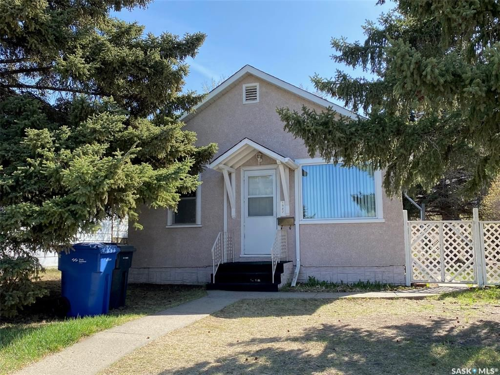 Main Photo: 1562 102nd Street in North Battleford: Residential for sale : MLS®# SK854752