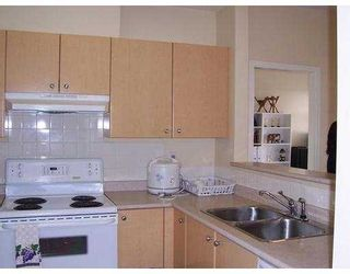 """Photo 5: 580 12TH Street in New Westminster: Uptown NW Condo for sale in """"THE REGENCY"""" : MLS®# V633544"""