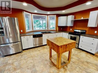Photo 4: 9374 STITTLE ROAD in Powell River: House for sale : MLS®# 16013