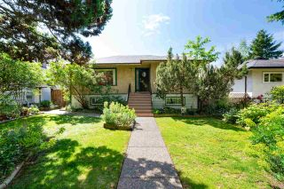 Photo 1: 349 W 18TH Street in North Vancouver: Central Lonsdale House for sale : MLS®# R2581142