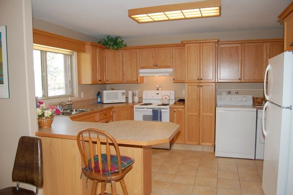 Photo 22: Photos: 4021 Lakeside Road in Penticton: Penticton South Residential Detached for sale : MLS®# 136028