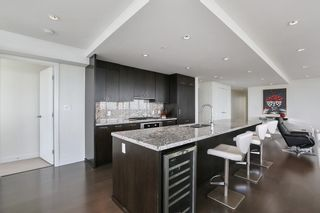 """Photo 4: 1902 1455 GEORGE Street: White Rock Condo for sale in """"Avra"""" (South Surrey White Rock)  : MLS®# R2589463"""