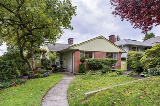 Main Photo: 849 E 5TH Street in North Vancouver: Queensbury House for sale : MLS®# R2625901