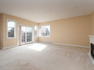 Photo 2: 301 9950 Fourth St in : Si Sidney North-East Condo for sale (Sidney)  : MLS®# 867374