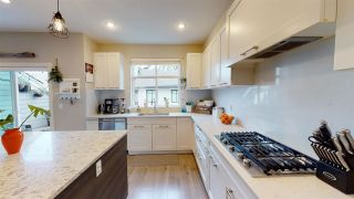 Photo 2: 150 2853 HELC PLACE in Surrey: Grandview Surrey Townhouse for sale (South Surrey White Rock)  : MLS®# R2540925