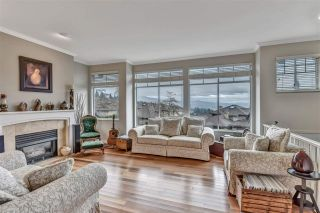 """Photo 2: 20 2979 PANORAMA Drive in Coquitlam: Westwood Plateau Townhouse for sale in """"DEERCREST"""" : MLS®# R2545272"""