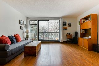 """Photo 3: 706 MILLYARD in Vancouver: False Creek Townhouse for sale in """"Creek Village"""" (Vancouver West)  : MLS®# R2550933"""