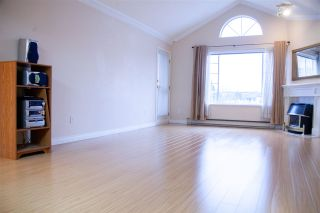 """Photo 10: 301 5375 205 Street in Langley: Langley City Condo for sale in """"GLENMONT PARK"""" : MLS®# R2426917"""
