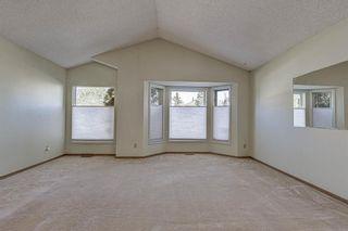 Photo 8: 94 Hunterhorn Crescent NE in Calgary: Huntington Hills Detached for sale : MLS®# A1151646