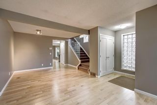 Photo 4: 2002 7 Avenue NW in Calgary: West Hillhurst Detached for sale : MLS®# C4291258