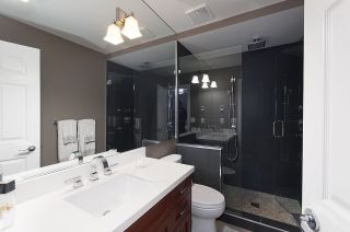 """Photo 9: 13 222 E 5TH Street in North Vancouver: Lower Lonsdale Townhouse for sale in """"BURHAM COURT"""" : MLS®# R2041998"""