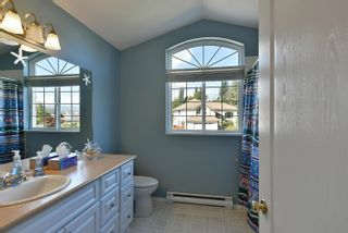 """Photo 22: 863 INGLIS Road in Gibsons: Gibsons & Area House for sale in """"Oceanmount"""" (Sunshine Coast)  : MLS®# R2618699"""