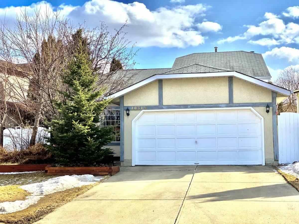 Main Photo: 10319 21 Avenue in Edmonton: Zone 16 House for sale : MLS®# E4235633