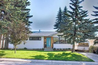 Photo 2: 5612 Ladbrooke Drive SW in Calgary: Lakeview Detached for sale : MLS®# A1128442