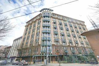 """Photo 19: 209 22 E CORDOVA Street in Vancouver: Downtown VE Condo for sale in """"Van Horne"""" (Vancouver East)  : MLS®# R2252419"""