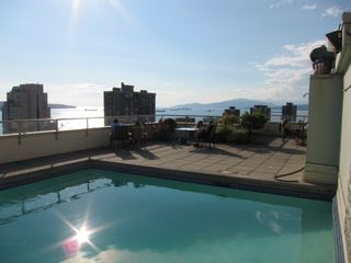 Photo 3: 802 1250 BURNABY Street in Vancouver: West End VW Condo for sale (Vancouver West)  : MLS®# R2297180