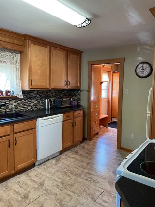 Photo 14: 196 Mowatt Street in Shelburne: 407-Shelburne County Residential for sale (South Shore)  : MLS®# 202118396