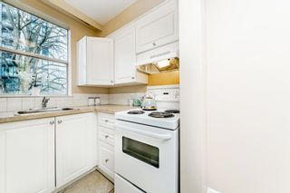 "Photo 9: 403 1219 HARWOOD Street in Vancouver: West End VW Condo for sale in ""The Chelsea"" (Vancouver West)  : MLS®# R2438842"