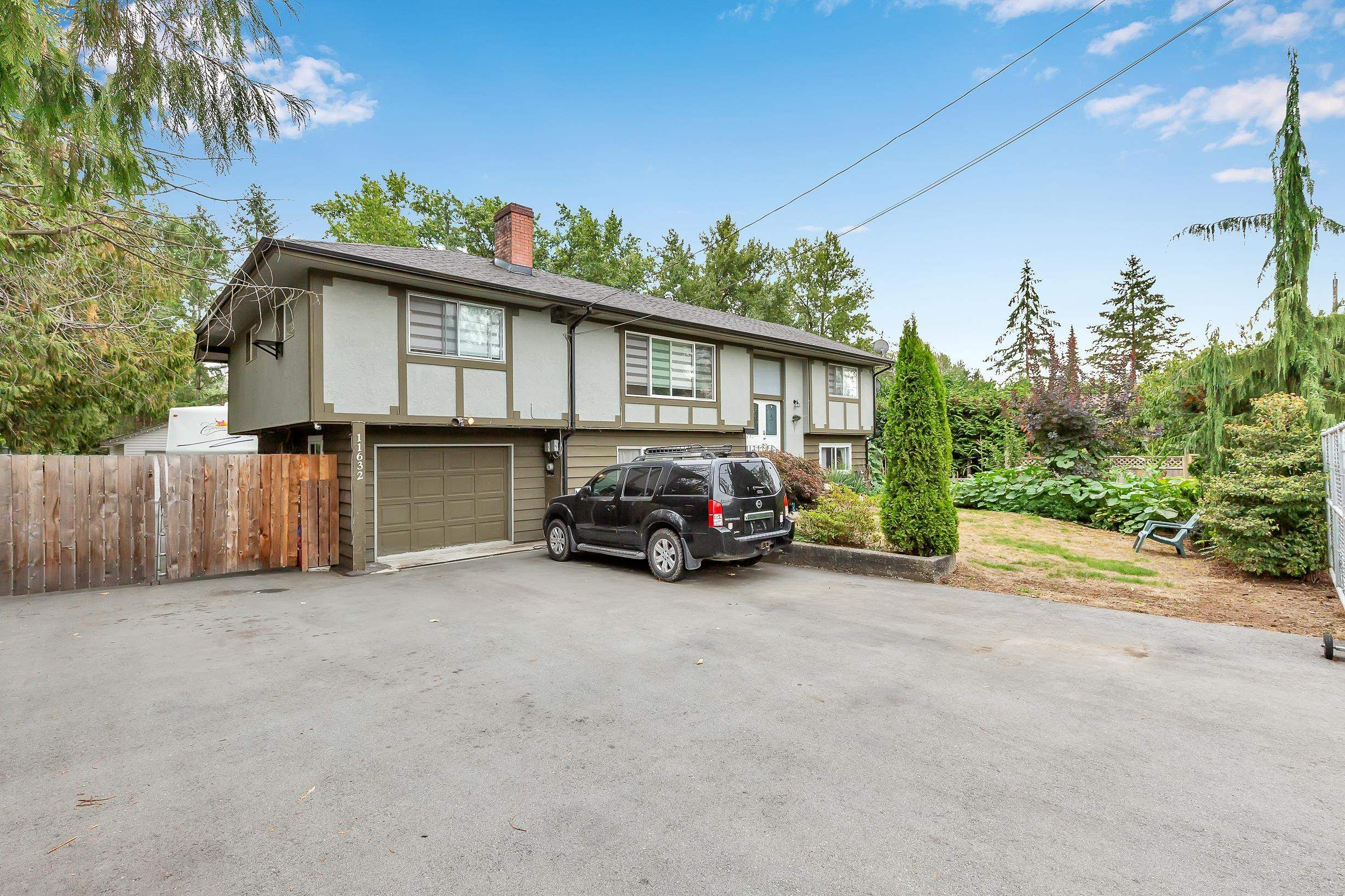 Main Photo: 11632 243 Street in Maple Ridge: Cottonwood MR House for sale : MLS®# R2614299