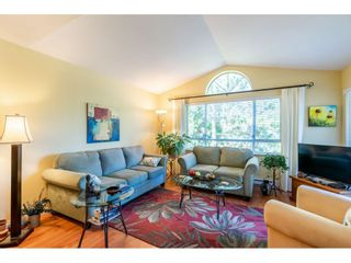 """Photo 11: 404 15991 THRIFT Avenue: White Rock Condo for sale in """"Arcadian"""" (South Surrey White Rock)  : MLS®# R2505774"""