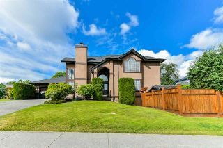 """Photo 1: 21568 86A Crescent in Langley: Walnut Grove House for sale in """"Forest Hills"""" : MLS®# R2276258"""
