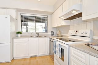 Photo 7: 563 IOCO Road in Port Moody: North Shore Pt Moody Townhouse for sale : MLS®# R2440860
