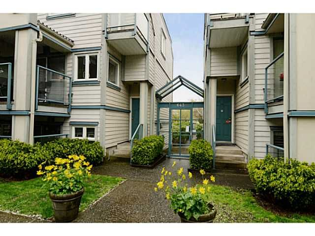 """Main Photo: 213 643 W 7TH Avenue in Vancouver: Fairview VW Townhouse for sale in """"THE COURTYARDS"""" (Vancouver West)  : MLS®# V1059098"""