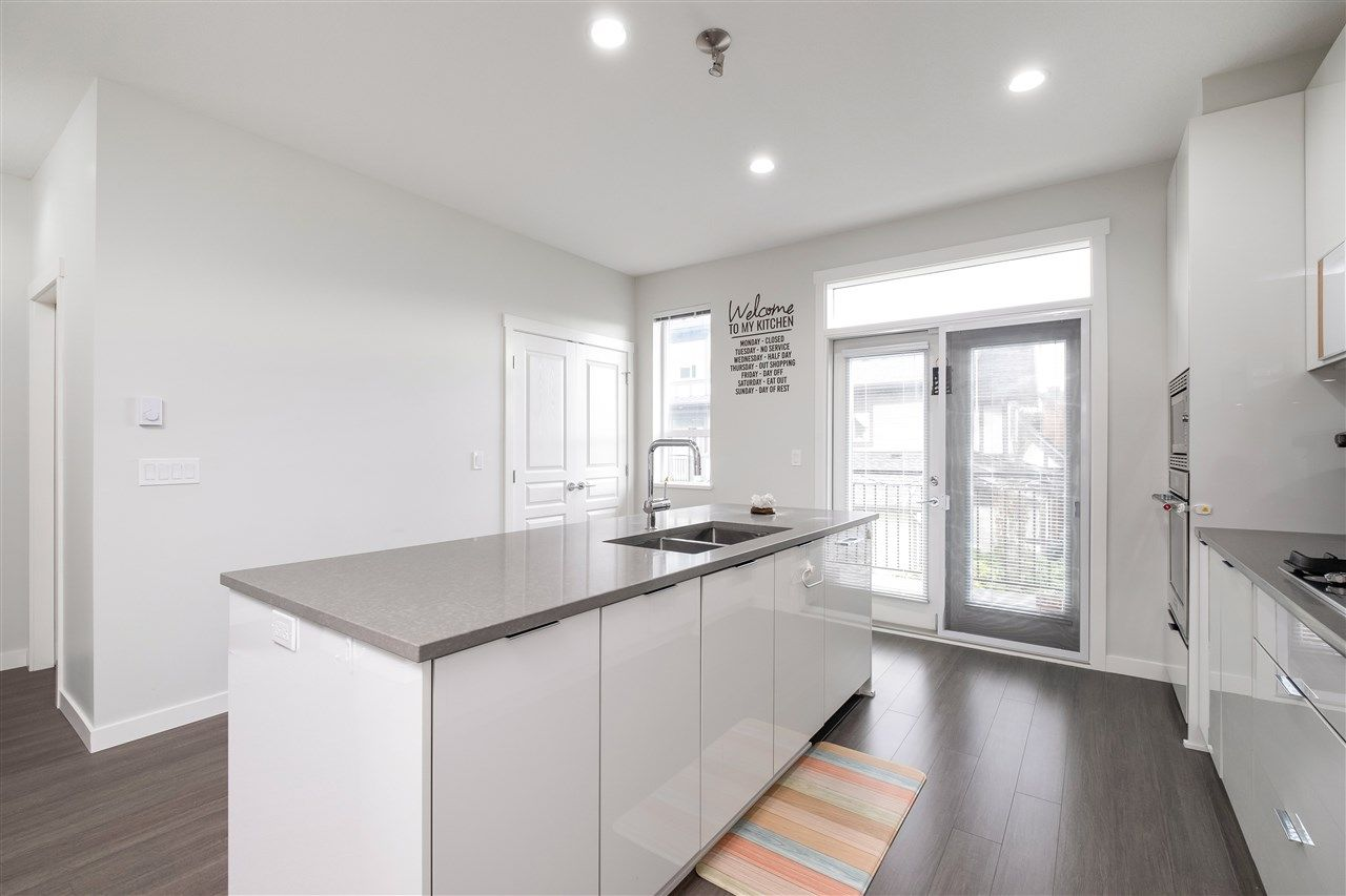 """Photo 11: Photos: 17 10388 NO. 2 Road in Richmond: Woodwards Townhouse for sale in """"KINGSLEY ESTATE"""" : MLS®# R2529818"""