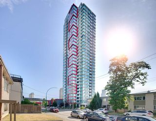 Photo 1: 3209 6658 DOW AVENUE in Burnaby: Metrotown Condo for sale (Burnaby South)  : MLS®# R2343741