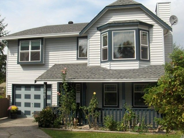 """Main Photo: 20963 92ND Avenue in Langley: Walnut Grove House for sale in """"Walnut Grove"""" : MLS®# F1320937"""