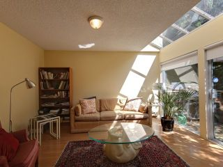 Photo 6: 753 W QUEENS RD in North Vancouver: Delbrook Townhouse for sale : MLS®# V1098694